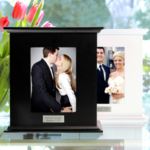 Engraved Photo Card Holder Box D3919X
