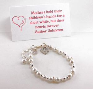 Engraved Baby Feet Mothers Beaded Bracelet with Card | Special Gift For Mom