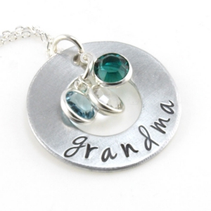 Family Circle Personalized Pendant | Personalizable Jewelry