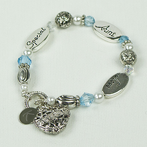 Engraved Aunt Bracelet | Personalized Jewelry