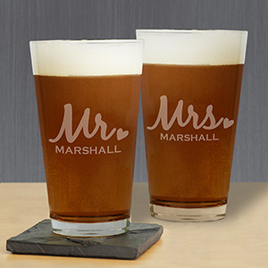 Engraved Mr & Mrs Beer Glass Set L9442142-S2