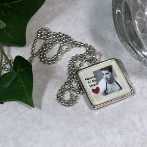 Personalized Memorial Photo Square Frame Necklace U349370
