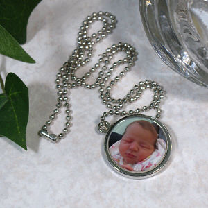 Picture Perfect Baby Photo Circle Frame Necklace