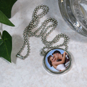 Picture Perfect Love Photo Circle Frame Necklace