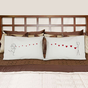 Blowing Kisses Pillowcase Set 83052950