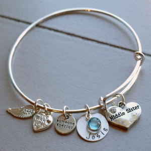 Personalized Middle Sister Bracelet